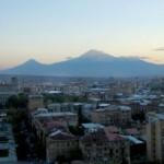 1384249887_1383825769_800px-yerevan-sunset