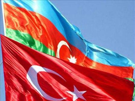 Azerbaycan ve Turkiye bayraq 151012